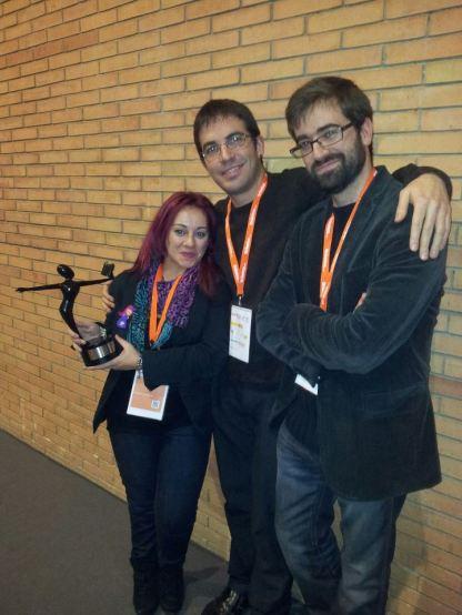 El equipo de Ediciones Antígona recoge el Premio a la Mejor Labor Editorial.